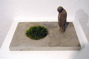 resized_Installation_8___Concrete_and_synthetic_grass___20_x_38_x_25_cm___2012
