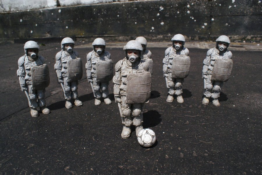 Dream_team_isaac_cordal