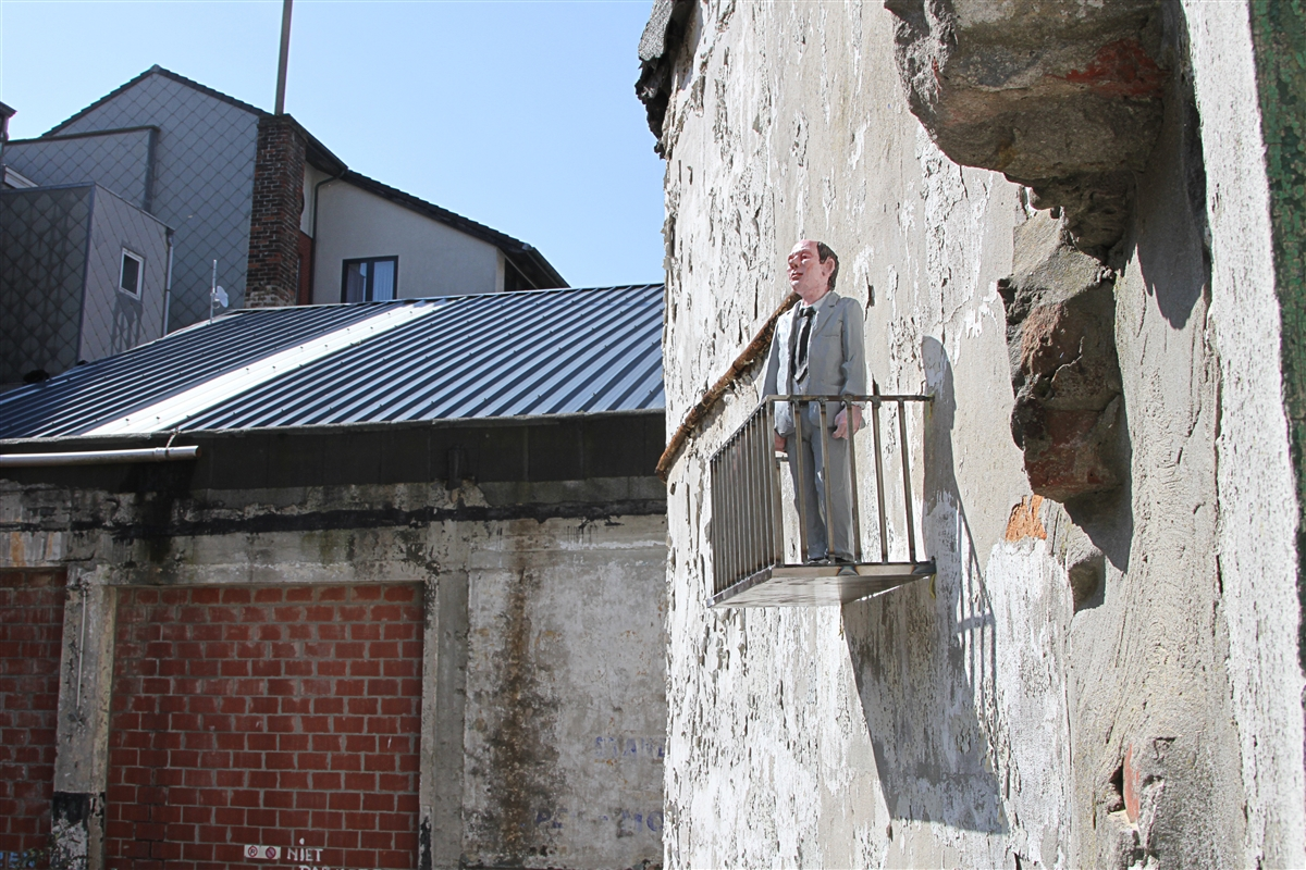 resized_isaac_cordal_cement_eclipses_oostende_IMG_0944