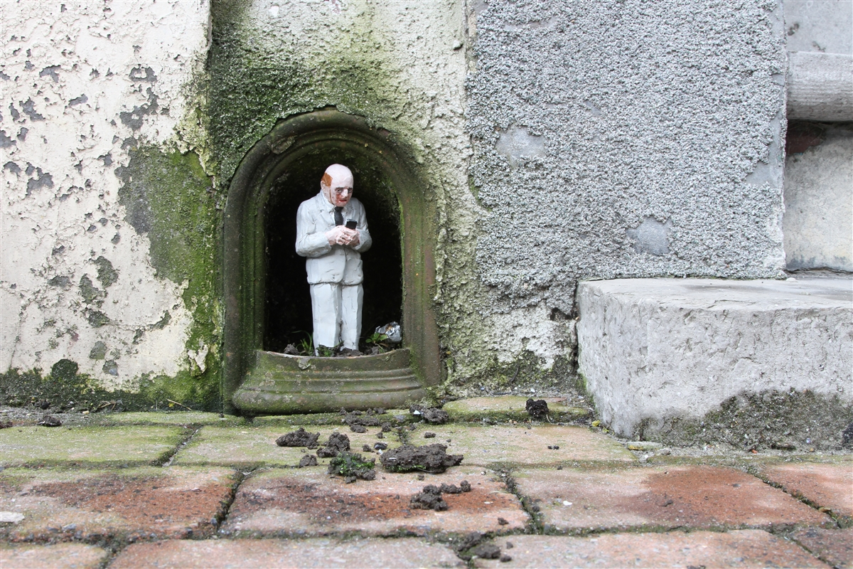 resized_isaac_cordal_cement_eclipses_oostende_IMG_1170