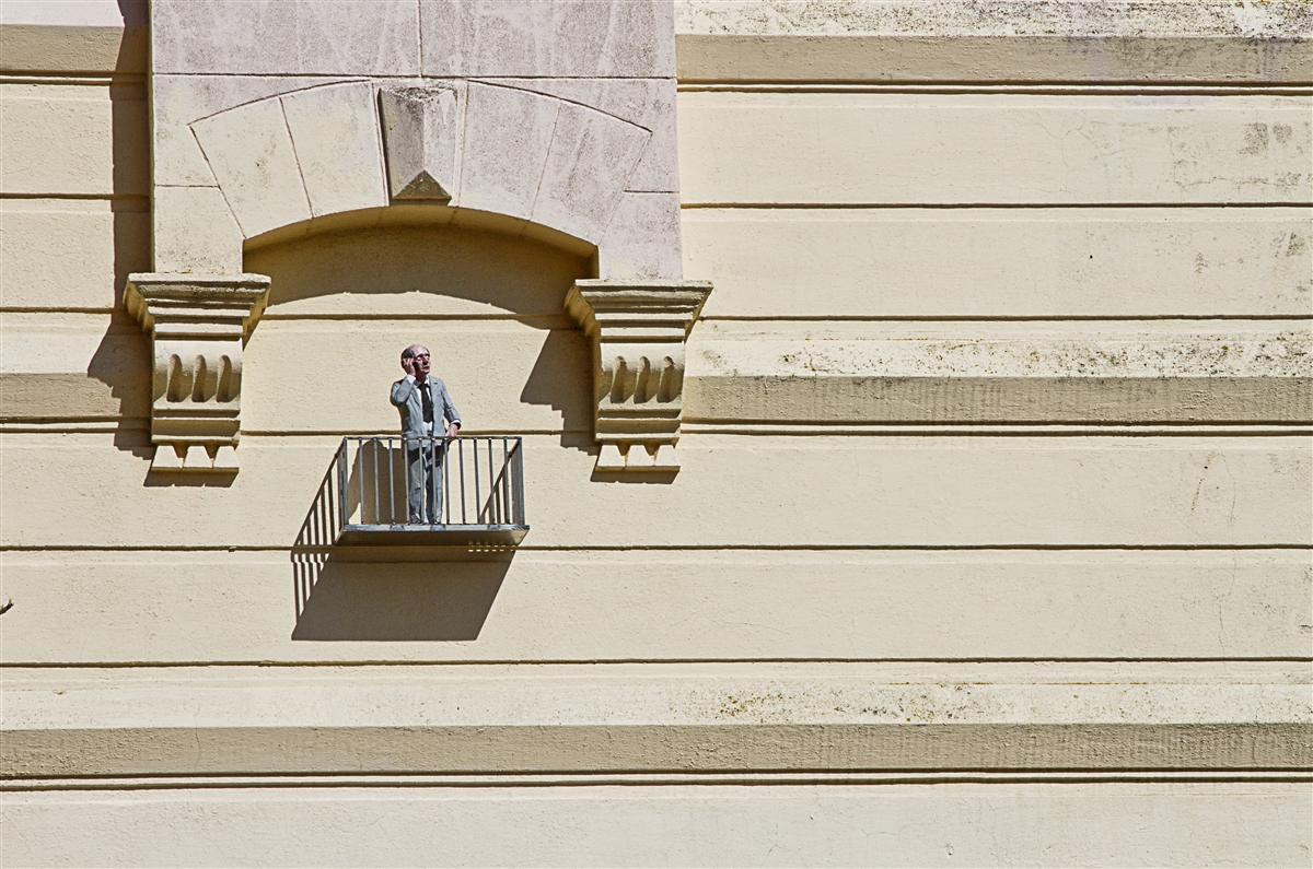 resized_isaac_cordal_cement_eclipses_oostende_IMG_1189
