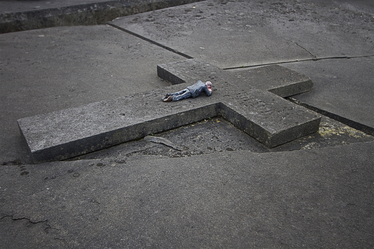 resized_isaac_cordal_cement_eclipses_oostende_IMG_1378